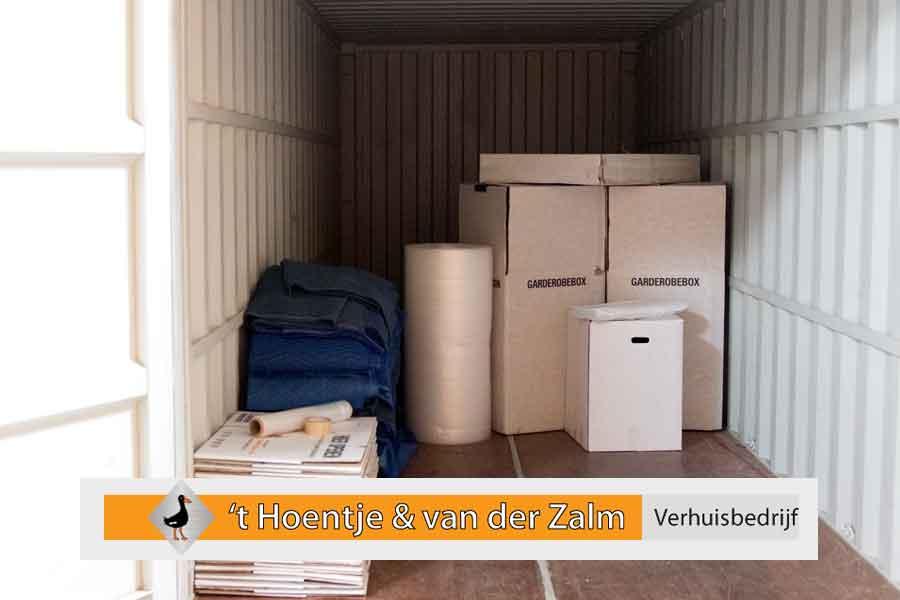 Verhuiscontainer met verhuismaterialen
